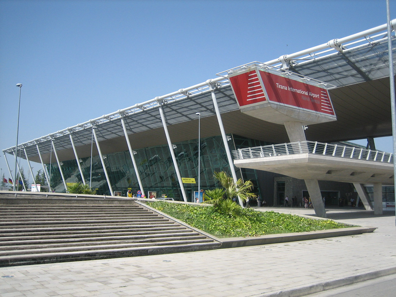 Aeroporto Tirana : City tours day trips activities things to do in skopje